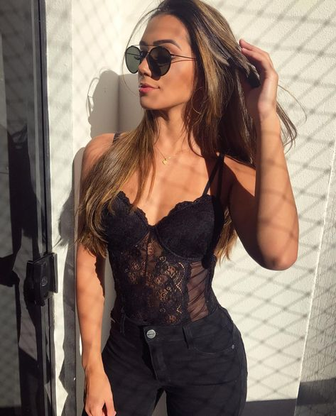 You'll certainly find natural wardrobe inspiring ideas for mothers. Hm Outfits, Club Outfits For Women, Casual Outfits, Fashion Outfits, Clothes For Women, Womens Fashion, Body Lenceria, Look Body, Body Dentelle