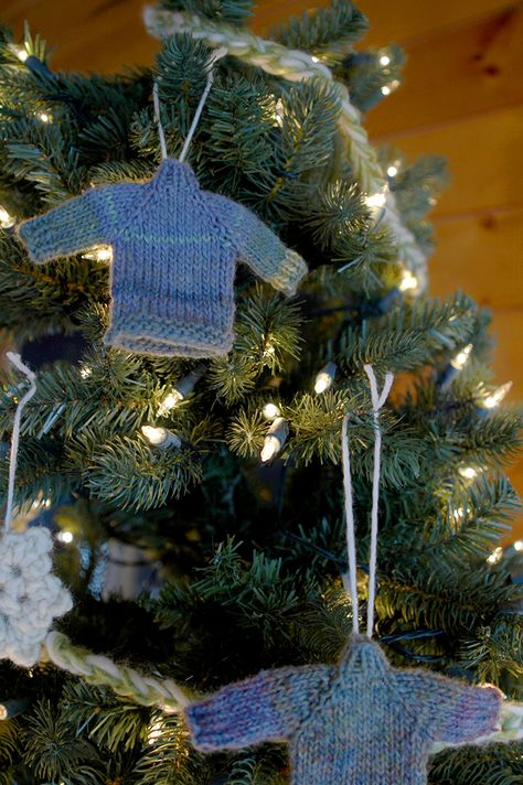 A quick, free, easy pattern for a cute little DIY raglan sweater Christmas ornament for your Christmas tree.