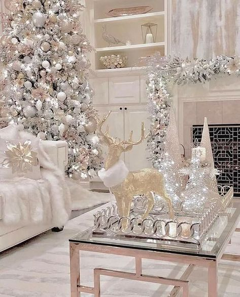 100 Elegant Christmas Decorations Which Defines Sublime & Sophisticated - Hike n Dip Give your Christmas home the elegant touch. Here are Elegant Christmas Home Decor ideas. These Christmas decors are simple, DIY Decors which you can do. Elegant Christmas Decor, White Christmas Trees, Christmas Room, Christmas Aesthetic, Christmas Themes, Vintage Christmas, Christmas Christmas, Simple Christmas, Silver Christmas Decorations