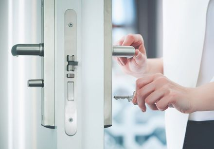 Recall These 05 Tips With Locksmith Delray Beach To Improve Your Home  Security This Winter in 2020 | Emergency locksmith, Locksmith services,  Locksmith