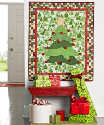 Here's a wall quilt that's destined to become a holiday tradition.