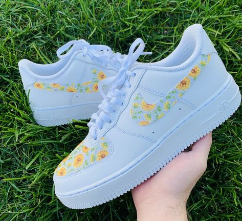 Classic all white Air Force 1 with custom vintage sunflower print attached to the toe box and swooshes. Air Force One Shoes, Nike Air Force 1, White Nike Shoes, Nike Air Shoes, Nike Custom Shoes, Custom Painted Shoes, New Nike Shoes, Zapatillas Nike Air Force, Nike Af1