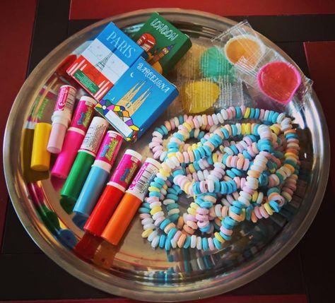 Hier eine Auswahl unserer Lieblingssüßigkeiten von früher.   31 Fotos, die Dich daran erinnern, wie schön Aufwachsen in den 90ern war