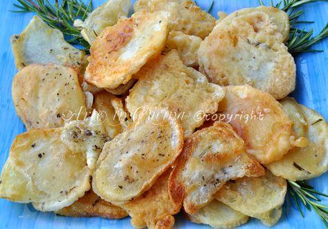 Patate pastellate fritte croccanti al rosmarino, ricetta contorno facile, veloce, patate saporite, patate in padella, pastella per fritti, patate croccanti, gustose