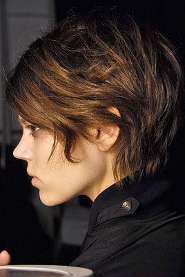 corte de cabello corto ondulado