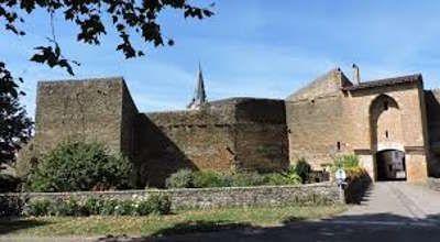 La Route Touristique Des Coteaux Et Villages Du Sud Revermont Village Le Coteau Chemin De Randonnee