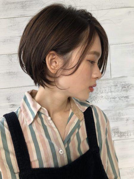 ショート 髪の量が多い人に似合う髪型 ヘアスタイル15選 ヘアスタイル 前髪なし ボブ 髪型