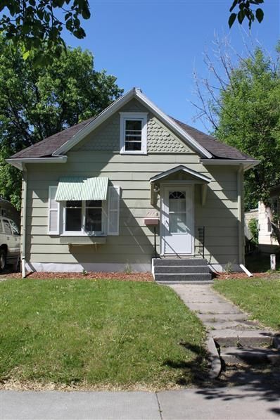 25 Fenton Ave Grand Forks Nd 58203 Mls 19 574 Listing Information Berkshire Hathaway Homeservices Family Realty Berkshire Hathaway Homeserv Exit Realty
