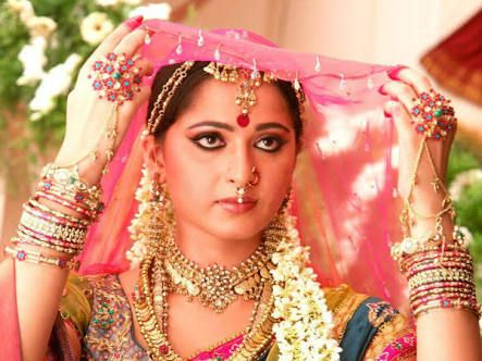 Image Result For Anushka In Arundhati Movie Hd Images Most Beautiful Indian Actress Gold Jewelry For Sale Beautiful Indian Actress