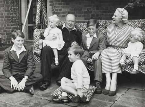 Winston And Clementine Churchill With Their Grandchildren In