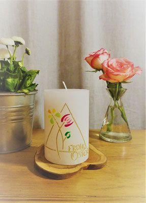 Stumpenkerze Motivkerze Kerze bunte Eier Geschenk Dekoration Ostern Höhe 12 cm