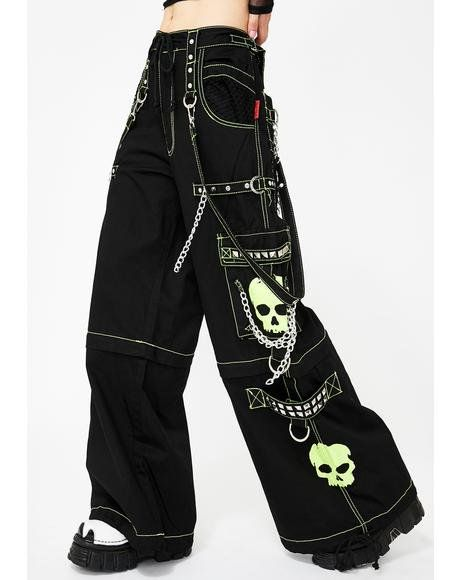 Free, fast shipping on Super Skull Pant at Dolls Kill, an online boutique for punk goth clothing and streetwear fashion. Shop Tripp NYC bondage pants, distressed tops, and denim jeans here. Punk Rock Outfits, Grunge Outfits, Edgy Outfits, Retro Outfits, Hipster Outfits, Scene Outfits, Alternative Outfits, Alternative Mode, Alternative Fashion