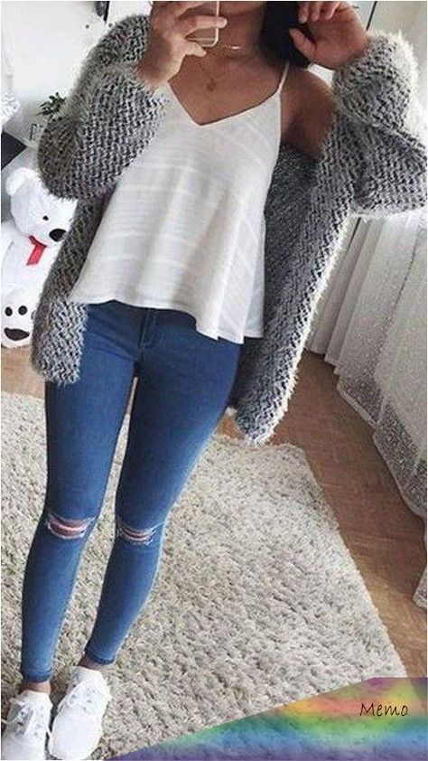 Cute Casual Back to School Outfit Ideas for 2018 High School Outfits casual Cute. Cute Casual Back to School Outfit Ideas for 2018 High School Outfits casual Cute Ideas outfit school Teen Outfits For Girls, Trendy Fall Outfits, Teen Fashion Outfits, Cute Casual Outfits, Look Fashion, Girl Outfits, Fashion Ideas, Fashion Styles, Winter Outfits