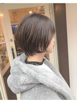 耳に掛けてもgood 襟足コンパクトなショートボブ 24時間いつでもweb予約ok ヘアスタイル10万点以上掲載 お気に入りの髪型 人気のヘアスタイルを探すならkirei Style キレイスタイル で 髪型 ショートボブ 襟足
