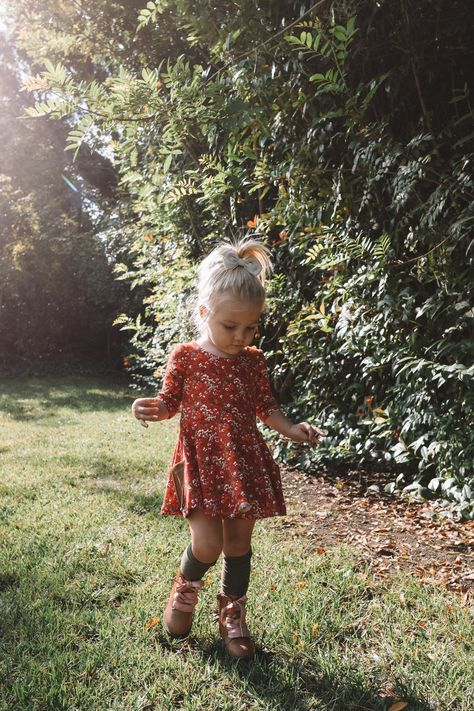 Cute Fall Toddler Clothes Cute Kids Clothes -- Cute Fall Baby Dresses -- The Overwhelmed Mommy So Cute Baby, Cute Babies, Baby Girl Fashion, Toddler Fashion, Fashion Kids, Fashion Black, Petite Fashion, Curvy Fashion, Style Fashion