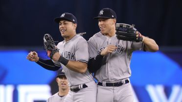 Aaron Judge Answers Fan Questions In Reddit Ama Mlb Com New York Yankees Yankees All Star