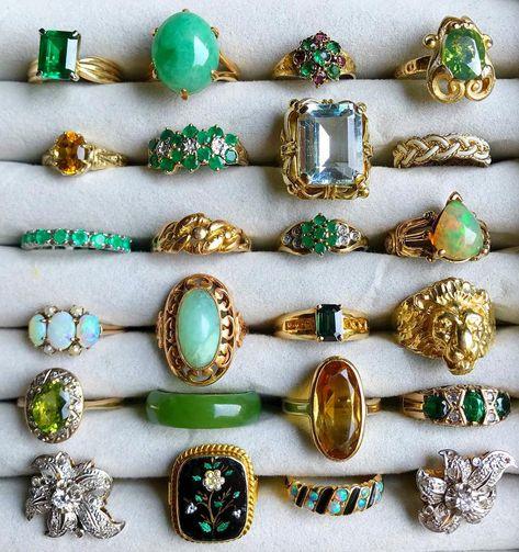 Diamond Stud Earrings - Baguette Cut Diamond Stud Earrings in Gold set in Prongs - Simple Dainty Diamond Stud Earrings - Valentines Day - Fine Jewelry Ideas Jade Jewelry, Jewelry Box, Jewelry Rings, Vintage Jewelry, Jewelry Accessories, Jewelry Design, Jewlery, Jewelry Making, Wedding Accessories