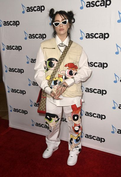 Sugar & Spice from Fashion Police Singer Billie Eilish showed up to the annual ASCAP Pop Music Awards at The Beverly Hilton Hotel wearing a Powerpuff Girls printed outfit. girl Sugar & Spice from Fashion Police Billie Eilish, Moda Converse, Police, Estilo Hippie, The Beverly, Beverly Hilton, Sugar And Spice, Powerpuff Girls, Pop Music