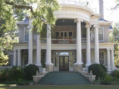 Pin On Antebellum Plantations And Victorian Homes And Buildings Built Before 1930