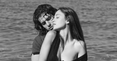 صور احضان وبوس صور جديدة رومانسية مثيرة واجمل واروع الصور علي موقعكم أحلي صورة نعبر عن مشاعرنا الرومانسية التي تحتوى على كل الحب Photo Couple Photos Scenes