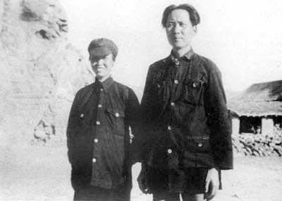 Top quotes by Mao Zedong-https://s-media-cache-ak0.pinimg.com/474x/08/dc/91/08dc916ce47560368361dd4180c92505.jpg