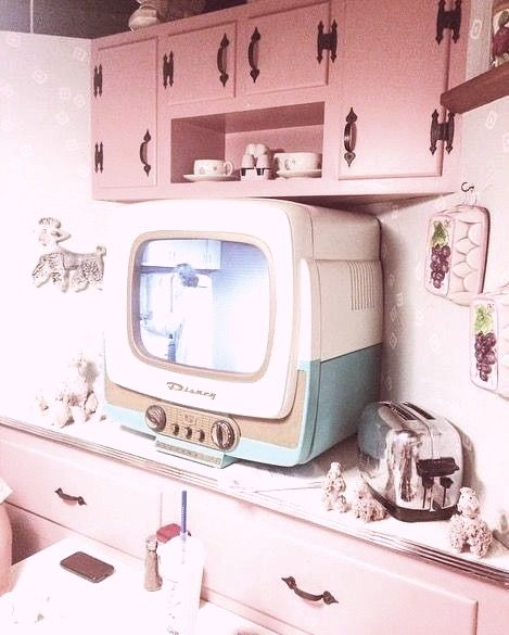 Pin By Dee On Aesthetics In 2020 Pink Aesthetic Aesthetic Vintage Pastel Aesthetic