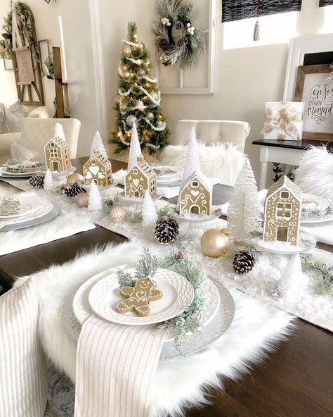 Best Christmas Table Decor ideas for Christmas 2019 where traditions meets grandeur - Hike n Dip Make your Christmas special with the best Christmas Table decoration ideas. These Christmas tablescapes are bound to make your Christmas dinner special. White Christmas Trees, Rustic Christmas, Simple Christmas, Beautiful Christmas, Christmas 2019, Christmas Home, Magical Christmas, Elegant Christmas, Merry Christmas