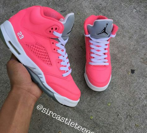 My baby gone buy me these hoes!!!!