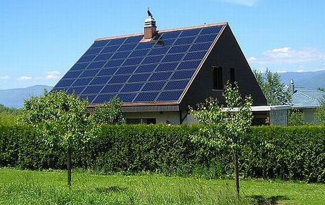 How To Choose Solar Panels For Your Home Tiny Homes Small Homes Eco Friendly Pre Fabs Solar Roof Solar Power System Solar House