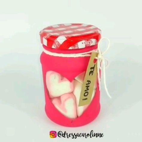 Faça você mesmo uma lembrancinha com pote de vidro reciclado passo a passo, artesanato, DIY, ideias, presente, para namorado, pote decorado, recicláveis