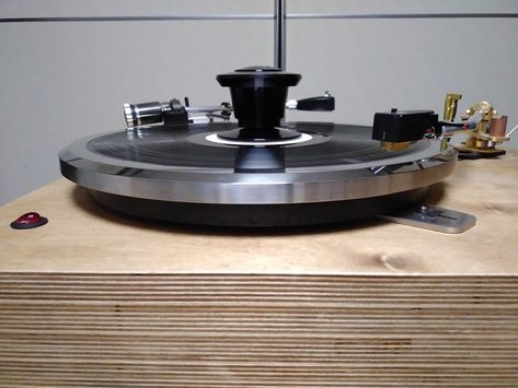 Nasotec Swing headshell and VEM record clamp