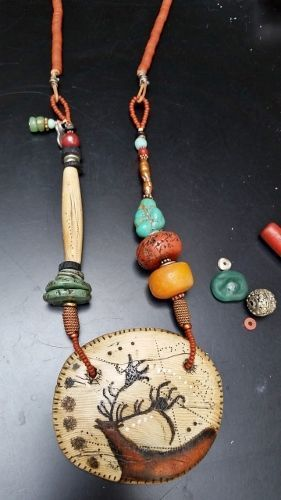 Shaman Necklace Red Deer Clan Polymer Clay Antique Trade Beads Semi Precious Stones Medallion 3 X 4 Bijoux Amerindiens Bijoux Artisanaux Bijoux En Cuir