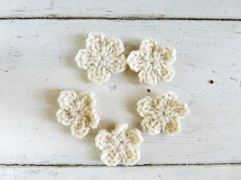 Crochet flowers crochet appliques white flowers applique flowers