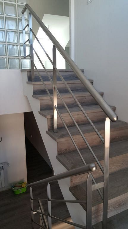 20 Modern Stainless Steel Stair Railing Design Ideas Modern Stair Railing Steel Stair Railing Diy Stair Railing