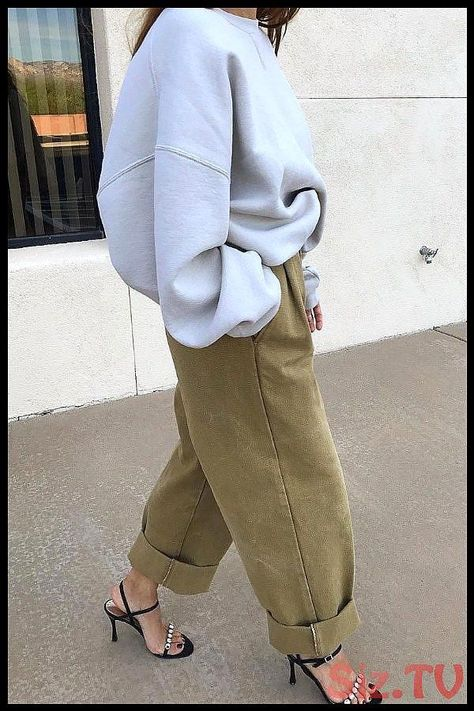 Casual Oversized Sweatshirt With Cargo Pants is best tip for How To Wear Sweatsh