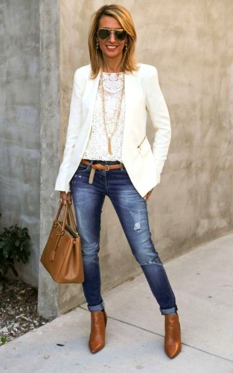 25 Simply Casual Work Outfit For Women Over 40 In This Fall - Pinmagz