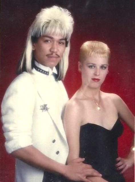 BAD PROM PHOTOS. Makes me glad I didn't go to mine