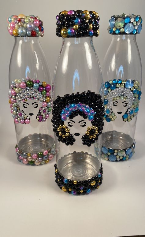 Bling Bottles, Bedazzled Bottle, Water Bottle Crafts, Wine Glass Crafts, Alcohol Bottle Crafts, Glitter Water Bottles, Diy Tumblers, Custom Tumblers, Custom Bottles