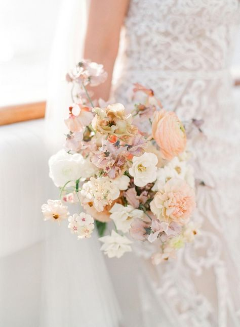 Some Summer Wedding Inspiration! #summerwedding #weddinginspo #neutralwedding