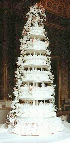 "royal wedding cake, prince andrew and princess ""fergie"" sarah ferguson"