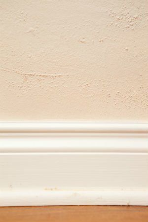 Solved What Causes Bubbling Paint And What To Do About It Bubble Painting Painting Interior Paint Colors Schemes