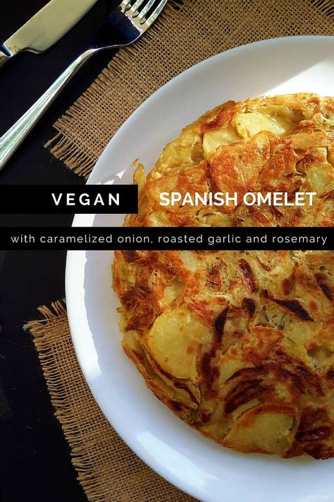 Simple and flavourful vegan Spanish omelet or tortilla de patatas. Great for a quick lunch or dinner!