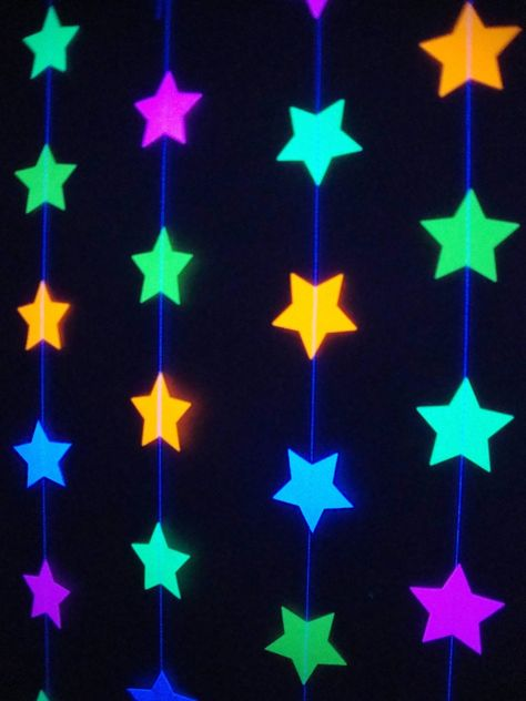 Glow Party Decorations / Neon star garlands for black light party Neon Birthday, 18th Birthday Party, Birthday Party Themes, Glow In Dark Party, Glow Stick Party, Black Light Party Ideas, Glow Sticks, Skate Party, 80s Party