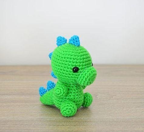 Free pattern on Ravelry | Dinossauro de crochê, Amigurumi de ... | 434x474
