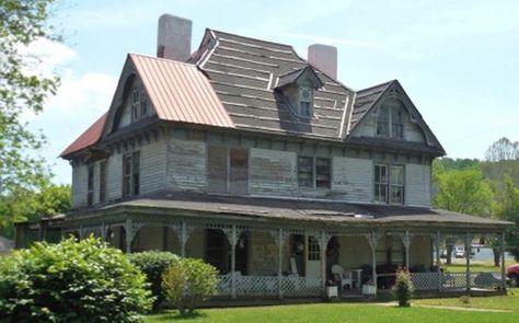 Der Anteil von Amerikanern, die ein eigenes Haus besitzen, ist auf den niedrigsten je aufgezeichneten Stand gefallen. Während des…