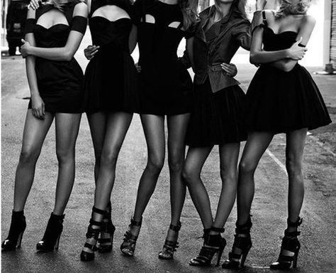 6 Guaranteed Bachelorette Party Survival Tips - Find more tips on the blog!