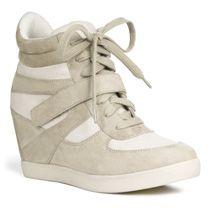 e8b566111f4 G by GUESS Women s Phoenix Wedge Sneaker