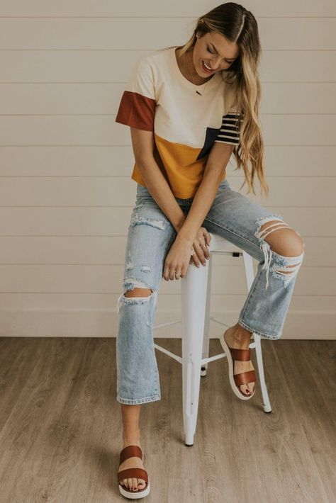 $24.99 · One of ROOLEE's most iconic tees is back for spring and summer! The Stailee Top is the perfect balance between a color block and a striped top! Don't get us wrong, we love stripe shirts as much as the… More Komplette Outfits, Cute Casual Outfits, Cute Jean Outfits, T Shirt Outfits, Casual Church Outfits, Unique Outfits, September Outfits, Fashionable Outfits, Night Outfits
