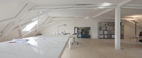 Super minimalistisch Zwitsers huis en kantoor
