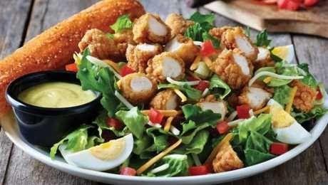 تعتبر السلطة من الأطباق المفيدة لصحة الإنسان لأنها تتكون من شتى أنواع الخضروات التي تتميز بمحتواها Chicken Tender Salad Crispy Chicken Tenders Chicken Tenders